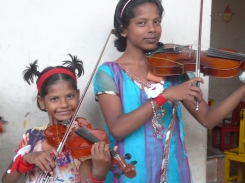 We have so many siblings in our project - meet two of them here. Deepali and Sarika, both violinists at Hamara School