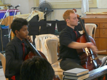 Lukas Hartmann and Leo Velho played a Cello duo