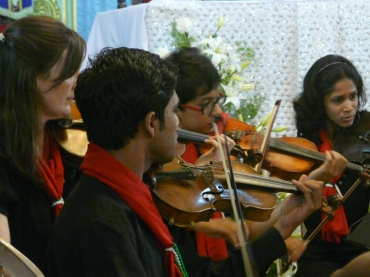Camerata Child's Play India - our orchestra for young musicians and children of Child's Play India joining in